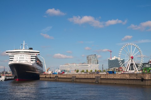 Queen Mary 2 in der HafenCity