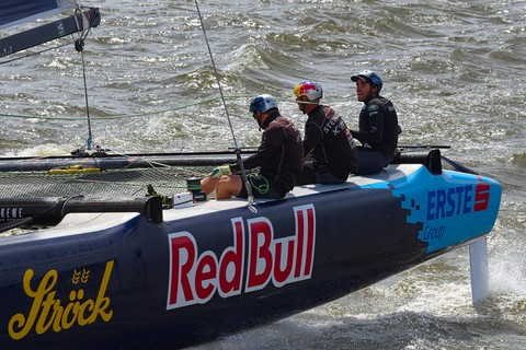 Red Bull Extreme Sailing Team in der Kurve